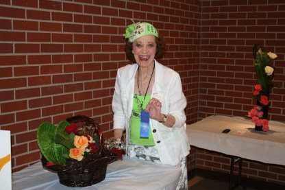 Pollyann Baird with her winning entry 2014 Rose Show